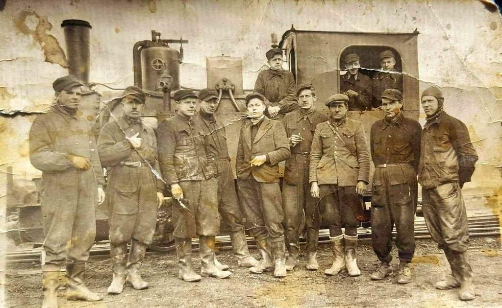 Pracownicy kopalni żwiru w Jaworzynie Śląskiej 1946 rok