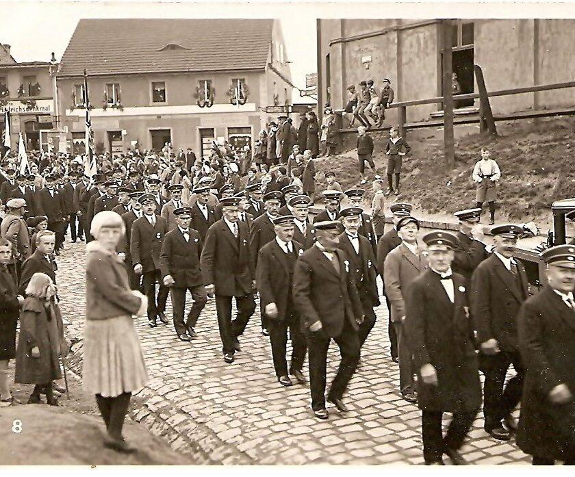 Jeden z pochodów w Königszelt, lata 30. XX wieku